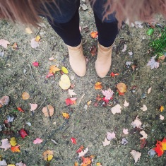 Leaves & Boots - the best fashion for Fall